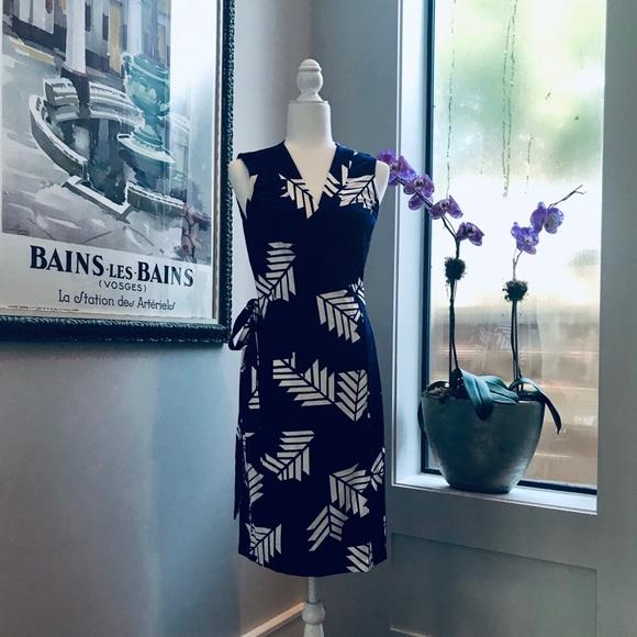 Diane Von Furstenberg Dresses & Skirts - NWT Diane Von Furstenberg Wrap